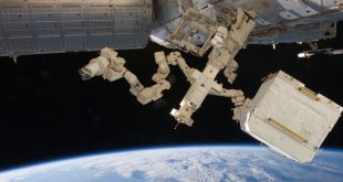 Dextre in action