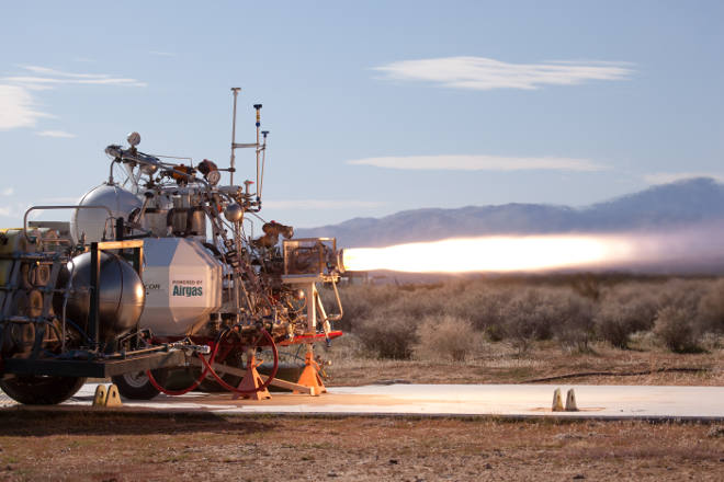 XCOR test fires its Lynx 5K18 engine