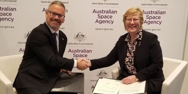 Canadian Space Agency President Sylvain Laporte and Dr. Megan Clark, Chief Executive of the Australian Space Agency sign Memorandum of Understanding