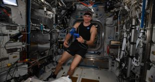 Astronaut David Saint-Jacques sets up the Bio-Monitor during his mission on the International Space Station
