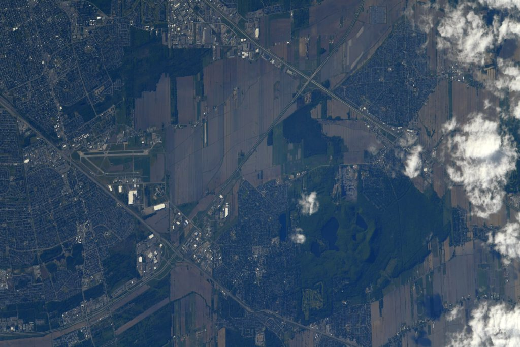 On the south shore of Montreal is the Saint-Hubert Longueuil Airport and the headquarters of the Canadian Space Agency. Credit: NASA.