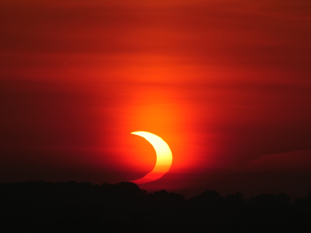 The annular eclipse in London, Ontario. Credit: Dale Armstrong, RASC London.