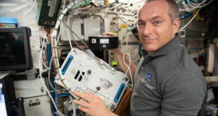Astronaut David Saint-Jacques explores bone therapies for health